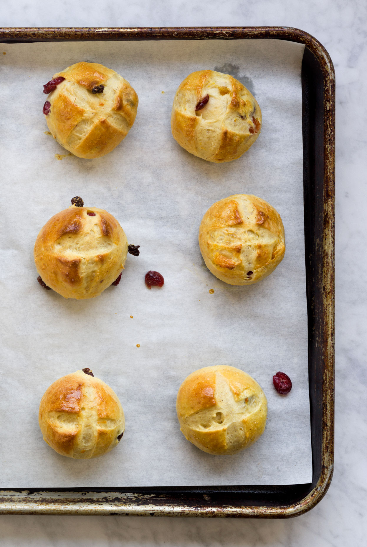 Hot_Cross_Buns_overhead_crop1